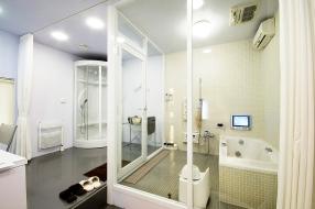 ミストサウナは、施錠できる個室タイプの体験ルーム。
