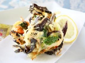 キクラゲ×和食の調理例。他の食材を組み合わせて掻き揚げに。