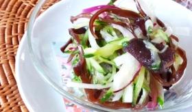 キクラゲ入り黒酢のサラダ