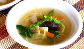 キクラゲと春野菜のタンメン