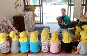幼稚園でのしいたけ栽培体験