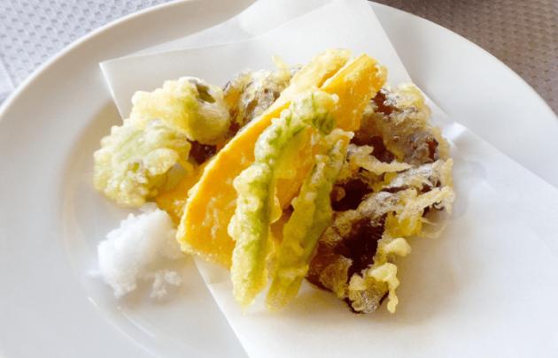 きくらげと春野菜の天ぷら