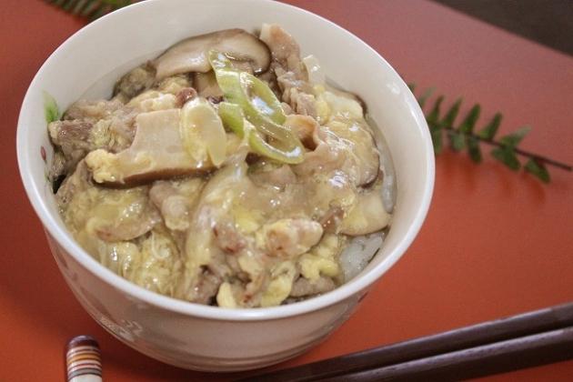 【レシピ】豚肉としいたけの卵あんかけ丼